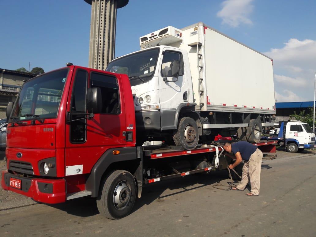 Remoção de Caminhões